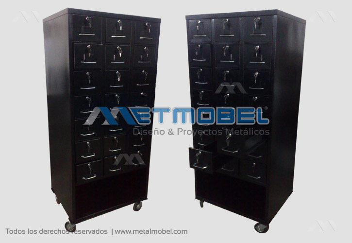 muebles especiales de puro metal